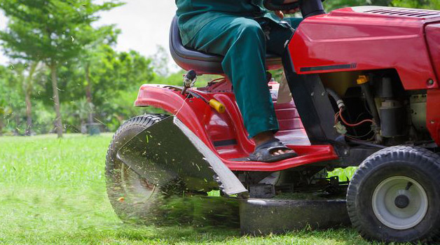 best riding lawn mower - buying guide