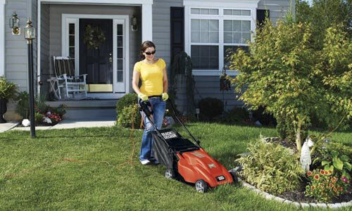 Black & Decker MM1800 - the best electric push mower